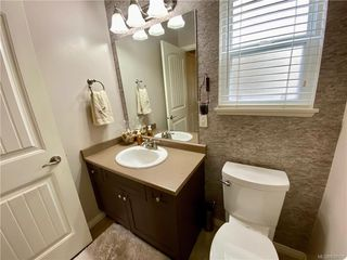 Photo 5: 951 Thrush Pl in Langford: La Happy Valley House for sale : MLS®# 838092
