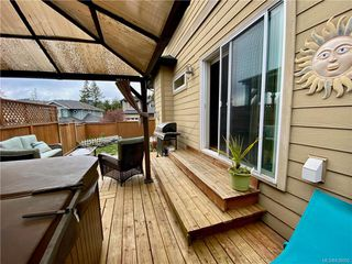 Photo 2: 951 Thrush Pl in Langford: La Happy Valley House for sale : MLS®# 838092
