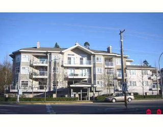 "Photo 1: 8976 208TH Street in Langley: Walnut Grove Condo for sale in ""OAKRIDGE"" : MLS®# F2707919"