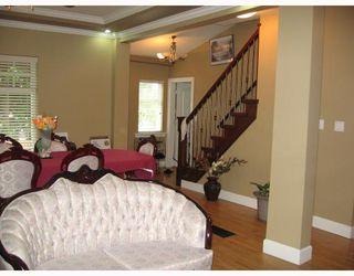 Photo 3: 930 1ST Street in New_Westminster: GlenBrooke North House for sale (New Westminster)  : MLS®# V682523