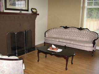 Photo 4: 930 1ST Street in New_Westminster: GlenBrooke North House for sale (New Westminster)  : MLS®# V682523
