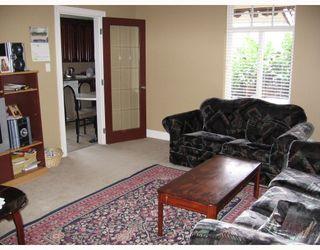 Photo 9: 930 1ST Street in New_Westminster: GlenBrooke North House for sale (New Westminster)  : MLS®# V682523
