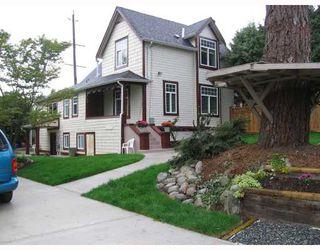 Photo 1: 930 1ST Street in New_Westminster: GlenBrooke North House for sale (New Westminster)  : MLS®# V682523