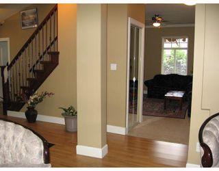 Photo 6: 930 1ST Street in New_Westminster: GlenBrooke North House for sale (New Westminster)  : MLS®# V682523