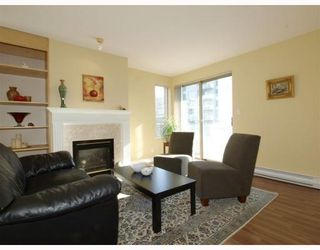 Photo 3: 304-137 West 17th Street in North Vancouver: Central Lonsdale Condo for sale : MLS®# V753714