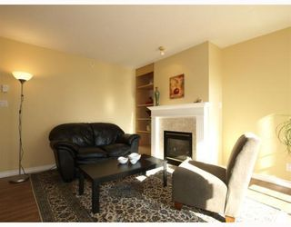Photo 2: 304-137 West 17th Street in North Vancouver: Central Lonsdale Condo for sale : MLS®# V753714