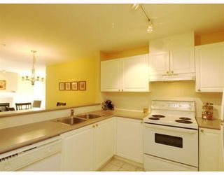 Photo 7: 304-137 West 17th Street in North Vancouver: Central Lonsdale Condo for sale : MLS®# V753714