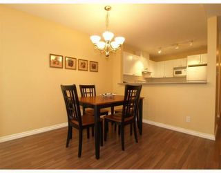 Photo 5: 304-137 West 17th Street in North Vancouver: Central Lonsdale Condo for sale : MLS®# V753714