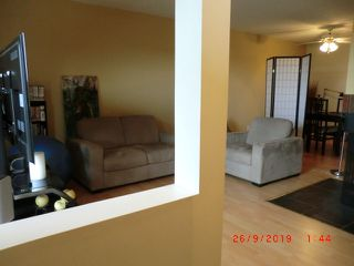 Photo 5: 11226 18 Avenue in Edmonton: Zone 16 Carriage for sale : MLS®# E4174995