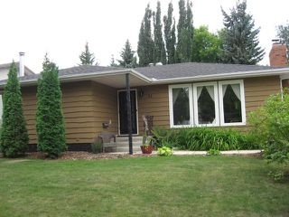 Photo 1: 31 Fermont Street in St. Albert: House for rent