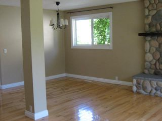 Photo 3: 31 Fermont Street in St. Albert: House for rent