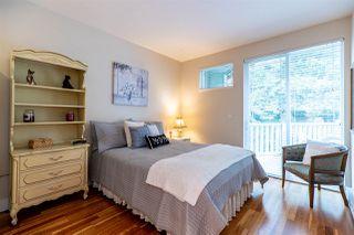 """Photo 10: 404 15350 16A Avenue in Surrey: King George Corridor Condo for sale in """"Ocean Bay Villas"""" (South Surrey White Rock)  : MLS®# R2418383"""