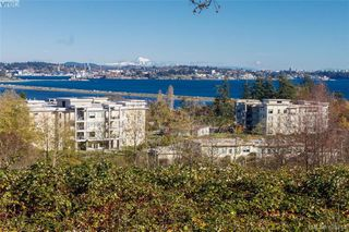 Photo 2: 404 3223 Selleck Way in VICTORIA: Co Lagoon Condo Apartment for sale (Colwood)  : MLS®# 835790