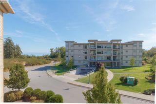 Photo 6: 404 3223 Selleck Way in VICTORIA: Co Lagoon Condo Apartment for sale (Colwood)  : MLS®# 835790