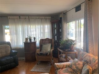 Photo 4: 2 882 Wembley Rd in : PQ Parksville Manufactured Home for sale (Parksville/Qualicum)  : MLS®# 852167