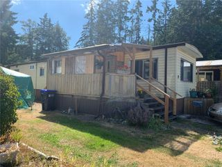 Photo 1: 2 882 Wembley Rd in : PQ Parksville Manufactured Home for sale (Parksville/Qualicum)  : MLS®# 852167