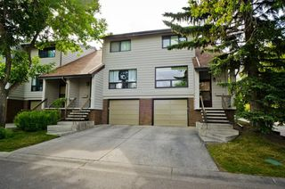 Main Photo: 35 3302 50 Street NW in Calgary: Varsity Row/Townhouse for sale : MLS®# A1030823