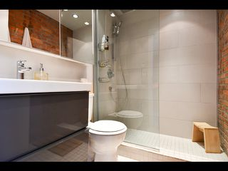 """Photo 11: 13 280 E 6TH Avenue in Vancouver: Mount Pleasant VE Condo for sale in """"Brewery Creek"""" (Vancouver East)  : MLS®# R2496953"""