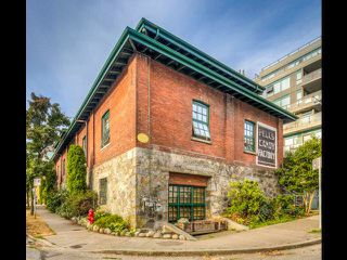 """Photo 9: 13 280 E 6TH Avenue in Vancouver: Mount Pleasant VE Condo for sale in """"Brewery Creek"""" (Vancouver East)  : MLS®# R2496953"""