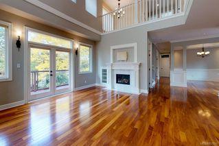 Photo 3: 3156 Woodburn Ave in : OB Henderson House for sale (Oak Bay)  : MLS®# 857911