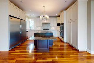 Photo 8: 3156 Woodburn Ave in : OB Henderson House for sale (Oak Bay)  : MLS®# 857911