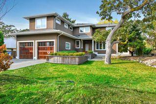 Photo 2: 3156 Woodburn Ave in : OB Henderson House for sale (Oak Bay)  : MLS®# 857911