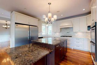 Photo 9: 3156 Woodburn Ave in : OB Henderson House for sale (Oak Bay)  : MLS®# 857911