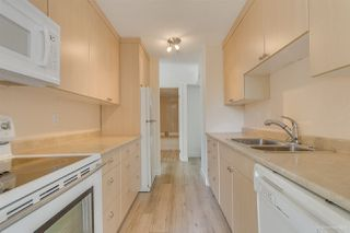 "Photo 8: 202 4300 MAYBERRY Street in Burnaby: Metrotown Condo for sale in ""TIMES SQUARE"" (Burnaby South)  : MLS®# R2508562"