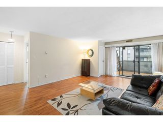 """Photo 6: 402 4941 LOUGHEED Highway in Burnaby: Brentwood Park Condo for sale in """"DOUGLAS VIEW"""" (Burnaby North)  : MLS®# R2520254"""