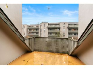 """Photo 18: 402 4941 LOUGHEED Highway in Burnaby: Brentwood Park Condo for sale in """"DOUGLAS VIEW"""" (Burnaby North)  : MLS®# R2520254"""