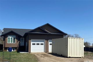 Photo 1: 537 5th Avenue East in Unity: Residential for sale : MLS®# SK838581