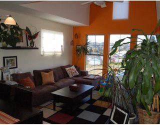 Photo 2: 401 888 GAUTHIER Avenue in Coquitlam: Coquitlam West Condo for sale : MLS®# V796132