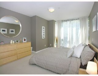Photo 5: #202 - 212 Lonsdale Avenue in North Vancouver: Lower Lonsdale Condo  : MLS®# V702053