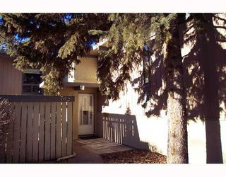 Photo 2:  in CALGARY: Willow Park Townhouse for sale (Calgary)  : MLS®# C3301060