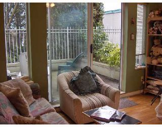 "Photo 3: 104 725 W 7TH Avenue in Vancouver: Fairview VW Condo for sale in ""THE FOUNTAINS"" (Vancouver West)  : MLS®# V695758"