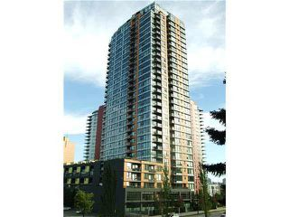 "Main Photo: 2101 33 SMITHE Street in Vancouver: Yaletown Condo for sale in ""Coopers Lookout"" (Vancouver West)  : MLS®# R2406435"