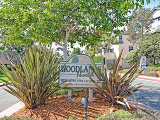 Photo 1: LA JOLLA Townhome for sale : 2 bedrooms : 8738 Villa La Jolla Dr #2