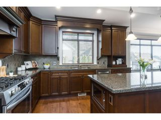 """Photo 8: 35591 KAHANA Place in Abbotsford: Abbotsford East House for sale in """"EAGLE MOUNTAIN"""" : MLS®# R2435435"""