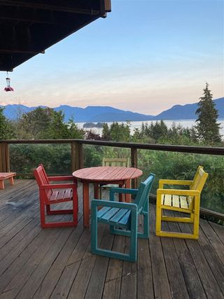 Photo 3: 125 WHARF Road in Gibsons: Gibsons & Area House for sale (Sunshine Coast)  : MLS®# R2497284