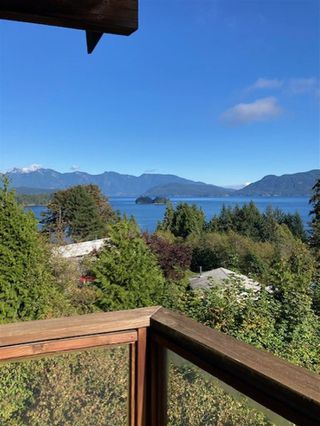 Photo 4: 125 WHARF Road in Gibsons: Gibsons & Area House for sale (Sunshine Coast)  : MLS®# R2497284