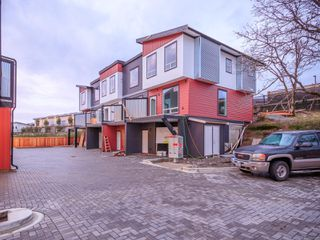 Photo 3: 104 1726 Kerrisdale Rd in : Na Central Nanaimo Row/Townhouse for sale (Nanaimo)  : MLS®# 856633