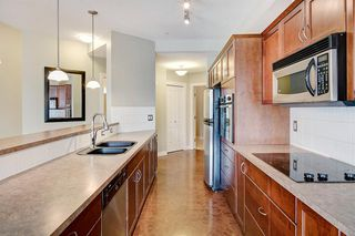 Photo 3: 227 3111 34 Avenue NW in Calgary: Varsity Apartment for sale : MLS®# A1045432
