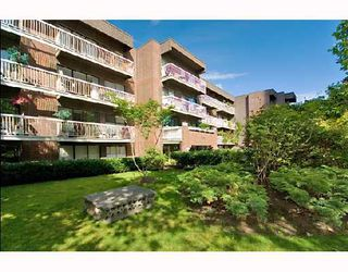 "Photo 1: 105 1655 NELSON Street in Vancouver: West End VW Condo for sale in ""HAMSTEAD MANOR"" (Vancouver West)  : MLS®# V657171"