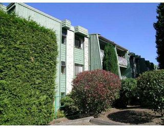 """Photo 1: 314 3901 CARRIGAN CT in Burnaby: Government Road Condo for sale in """"LOUGHEED ESTATES II"""" (Burnaby North)  : MLS®# V598251"""