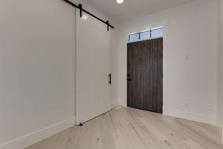 Photo 4: 9342 90 Street in Edmonton: Zone 18 House for sale : MLS®# E4182565