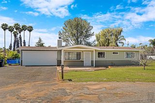 Main Photo: EAST ESCONDIDO House for sale : 4 bedrooms : 1211 Donald Way in Escondido