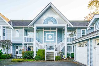"""Main Photo: 106 9105 154 Street in Surrey: Fleetwood Tynehead Townhouse for sale in """"LEXINGTON SQUARE"""" : MLS®# R2512163"""