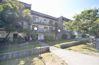 Photo 1: 103 33870 FERN Street in Abbotsford: Central Abbotsford Condo for sale : MLS®# R2521227