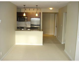 """Photo 3: 1604 814 ROYAL Avenue in New_Westminster: Downtown NW Condo for sale in """"The News North"""" (New Westminster)  : MLS®# V676839"""