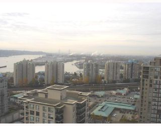 """Photo 8: 1604 814 ROYAL Avenue in New_Westminster: Downtown NW Condo for sale in """"The News North"""" (New Westminster)  : MLS®# V676839"""